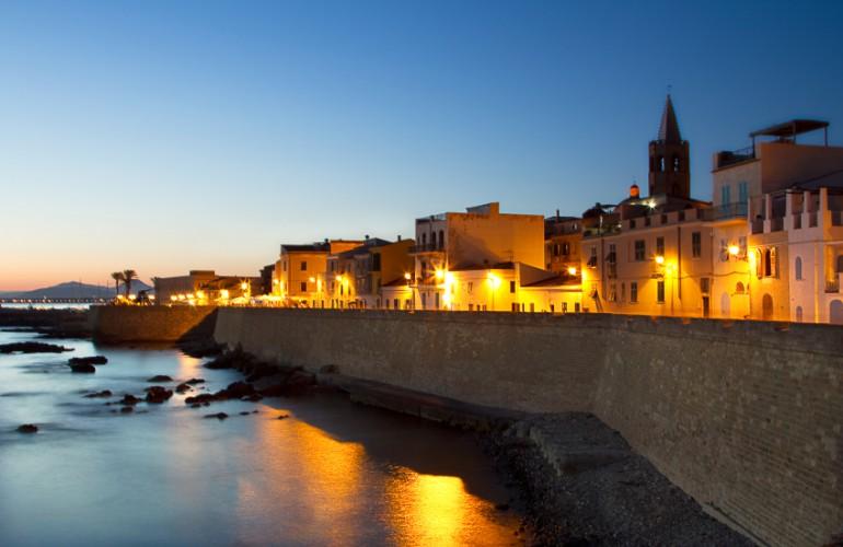 Piccola Barcellona, così gli algheresi chiamano orgogliosi la propria città